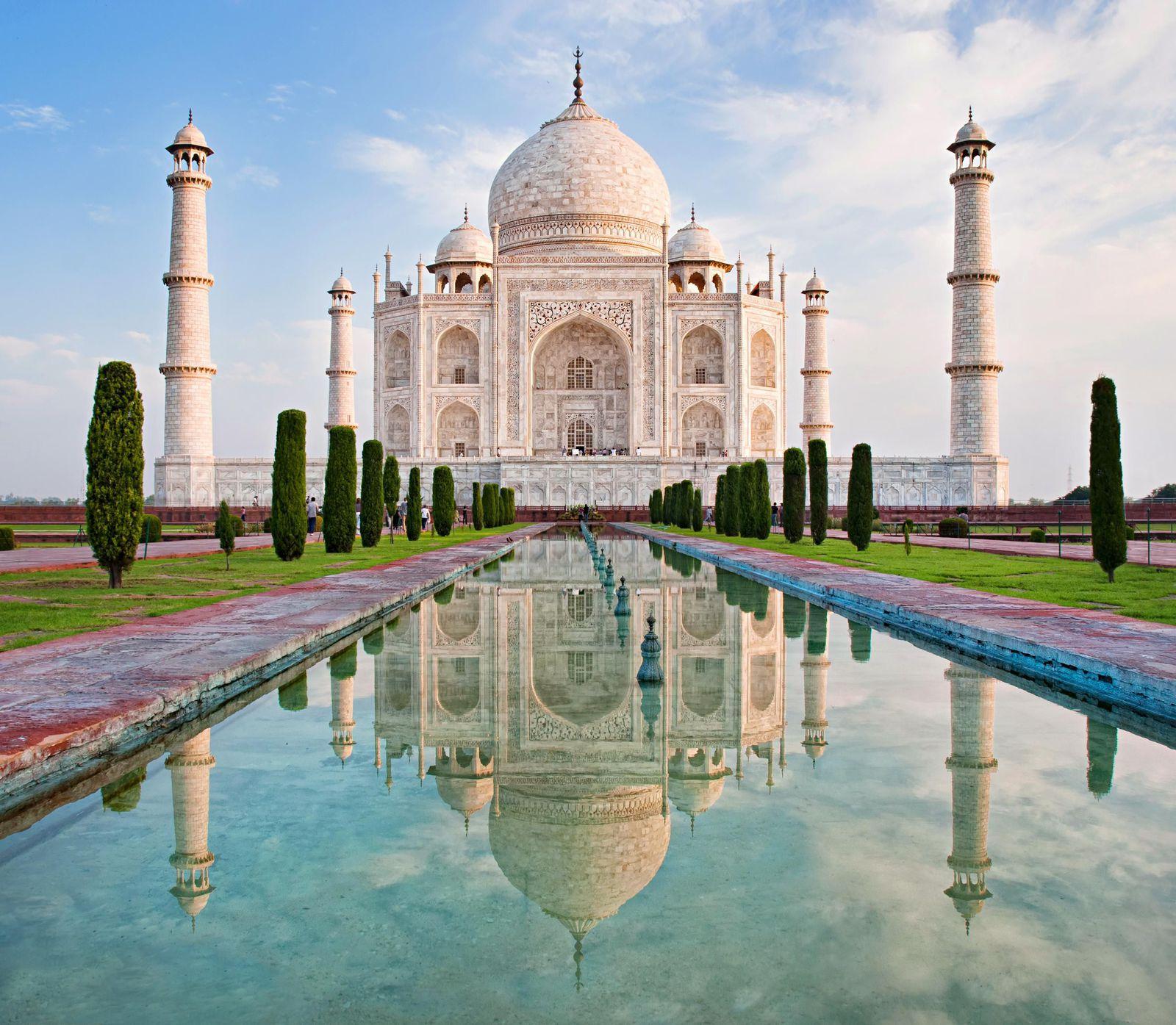 The Taj Mahal: Origns, Architecture and Design